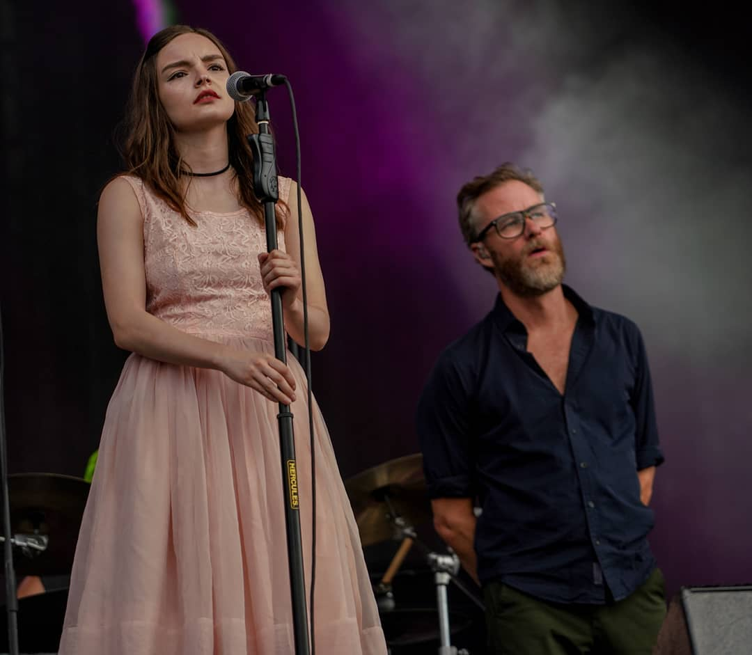 "Watch Lauren Mayberry of CHVRCHES Perform ""Guilty Party"" With The National"